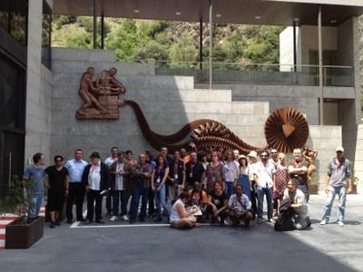 Els 37 artistes que participen al 3r Art Camp visiten el Museu de l'Electricitat de FEDA