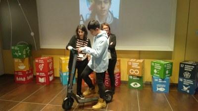 Els tallers Elèctrics! de FEDA  fan reflexionar els adolescents sobre un nou model de mobilitat sostenible