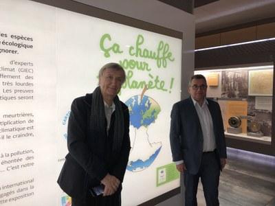"""Més de 1.100 persones visiten l'exposició """"Ça Chauffe pour la Planète"""""""